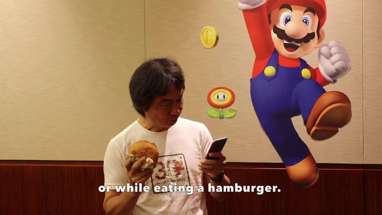 『スーパーマリオラン』の任天堂・宮本茂氏による紹介映像、実際にハンバーガーを食べながら遊ぶシーンも