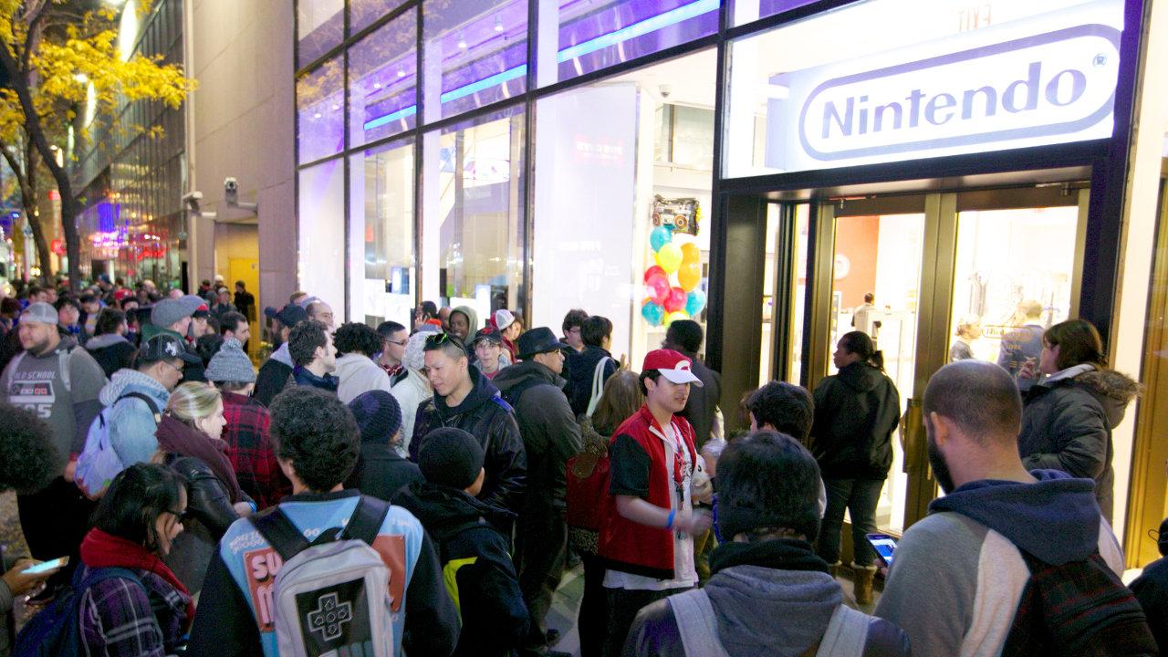 任天堂の復刻版「ファミコン」、海外でも即完売の大人気