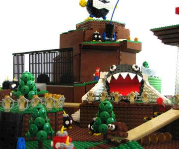 レゴブロックで見事に再現された『スーパーマリオ64』のコース1「ボムへいのせんじょう」