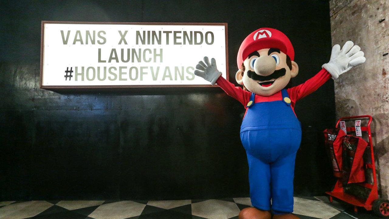 ロンドンでVANS×任天堂のコラボ記念イベント、任天堂テーマのフード・カクテル提供やゲーム大会、映画上映、ムジュラの仮面制作ワークショップも