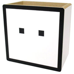 ハコボーイ! キュービィ 木製小物入れ 高さ10cm 表