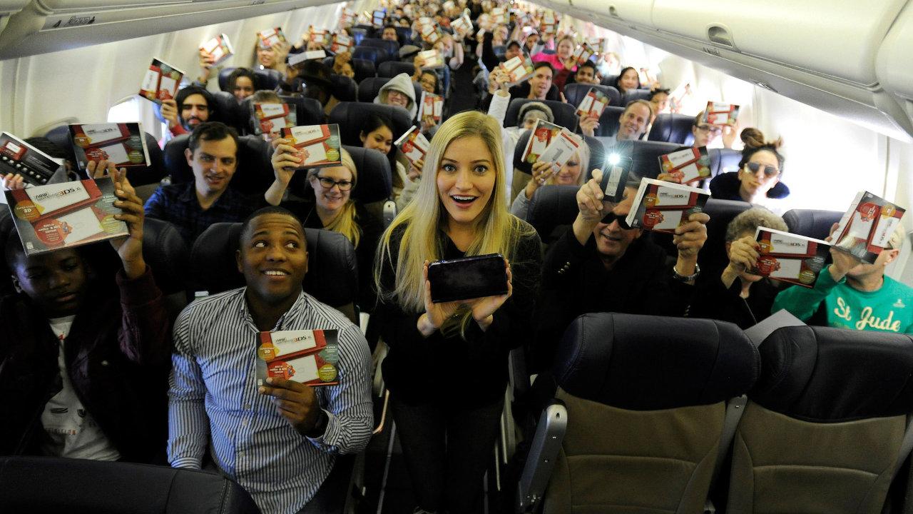 米任天堂とサウスウエスト航空が再びコラボ、New3DS LLと『スーパーマリオメーカー』を乗客にプレゼントするサプライス
