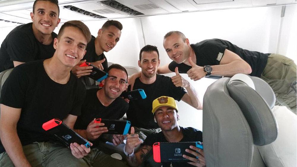 FCバルセロナのスター選手たちも Nintendo Switch に夢中