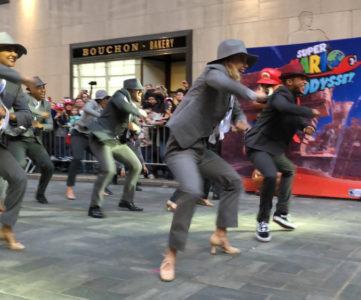 レジー社長も踊る、任天堂NYで開催された『スーパーマリオ オデッセイ』のローンチイベントで実際にダンスパフォーマンスが披露