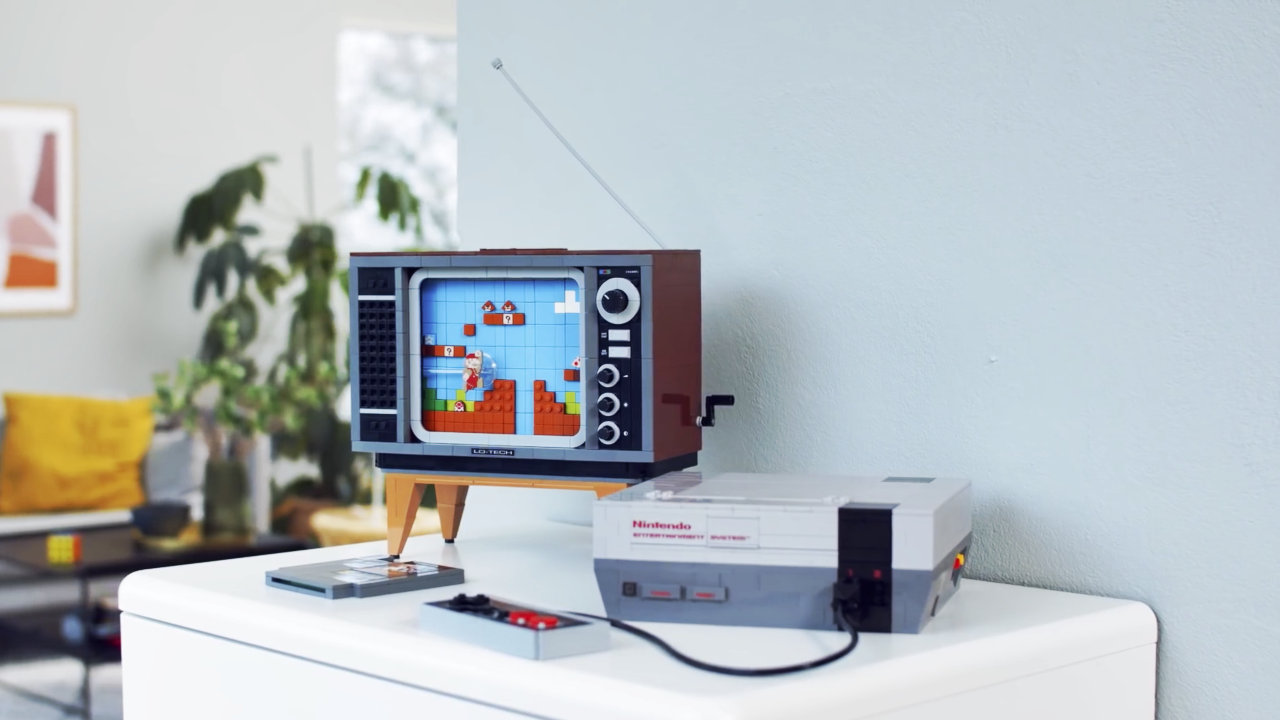 【レゴ マリオ】海外版ファミコン「NES」と『スーパーマリオ』、当時のテレビを再現するセットが8月に登場